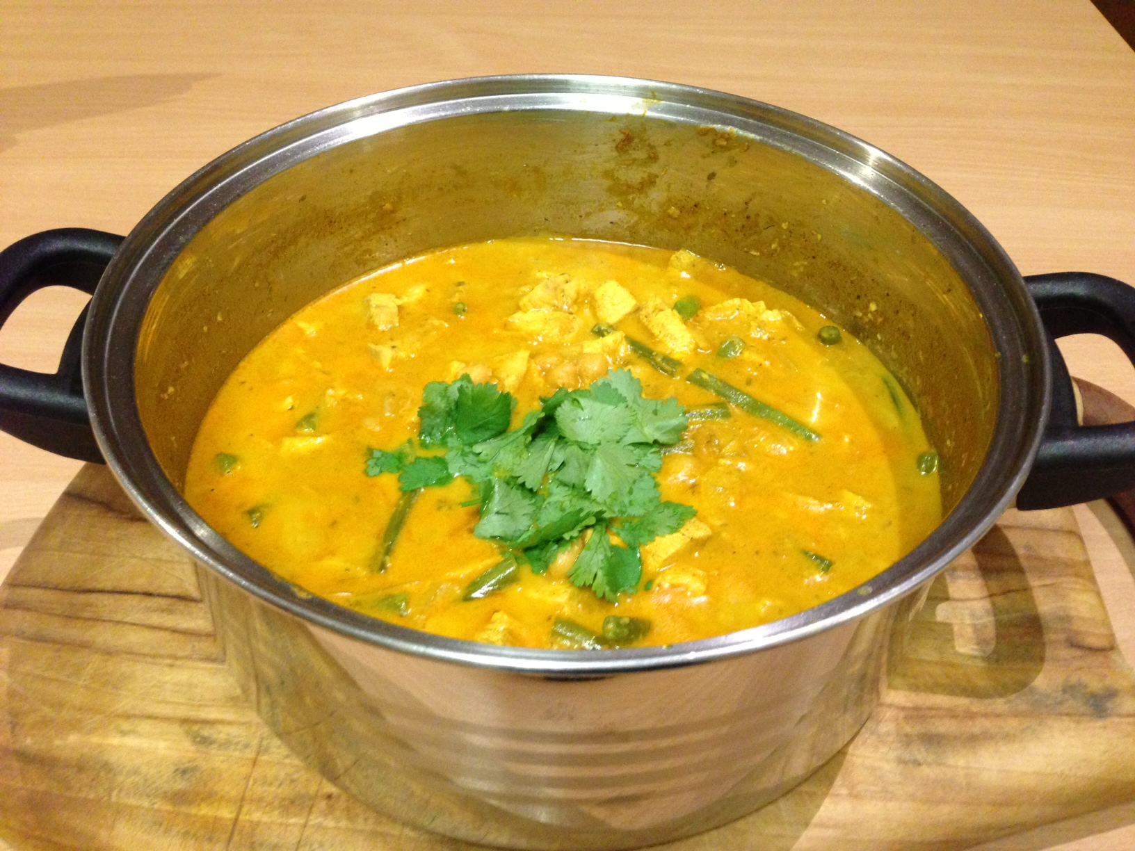 Jamie Olivers Chicken Korma Foodthatserves